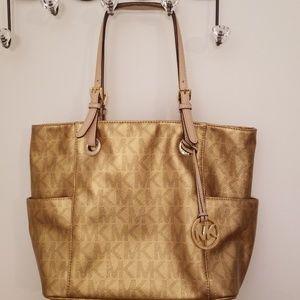 Michael Kors Bags - Michael Kors Jet Set leather tote